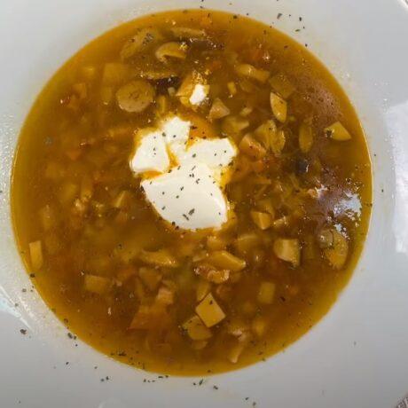 Zagorska juha sa šunkom i gljivama