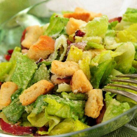 Cezar salata s piletinom