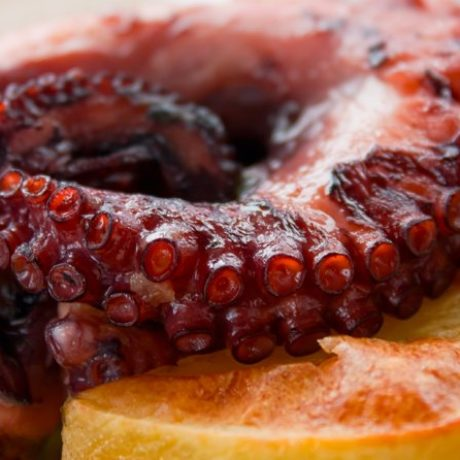 Hobotnica s krumpirima