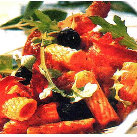 Makaroni s umakom od rajčica