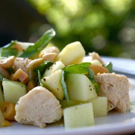 Salata s piletinom i jabukama